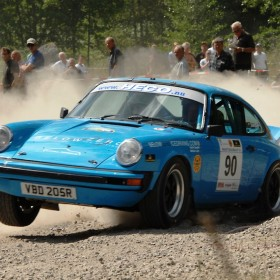 Tuthill Porsche 911 Midnight Sun win