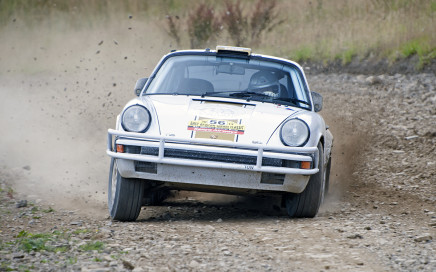 Tuthill Porsche 911 Safari Rally Test 1