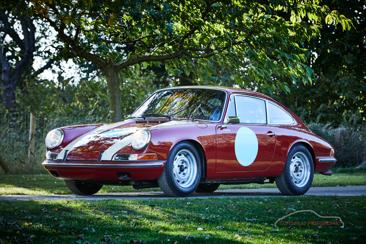 Click to view more photos of a 1965 Porsche 911 2.0 race car build